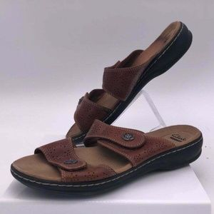 Clarks Soft Cushion Brown Leather Buckle Strap 9.5
